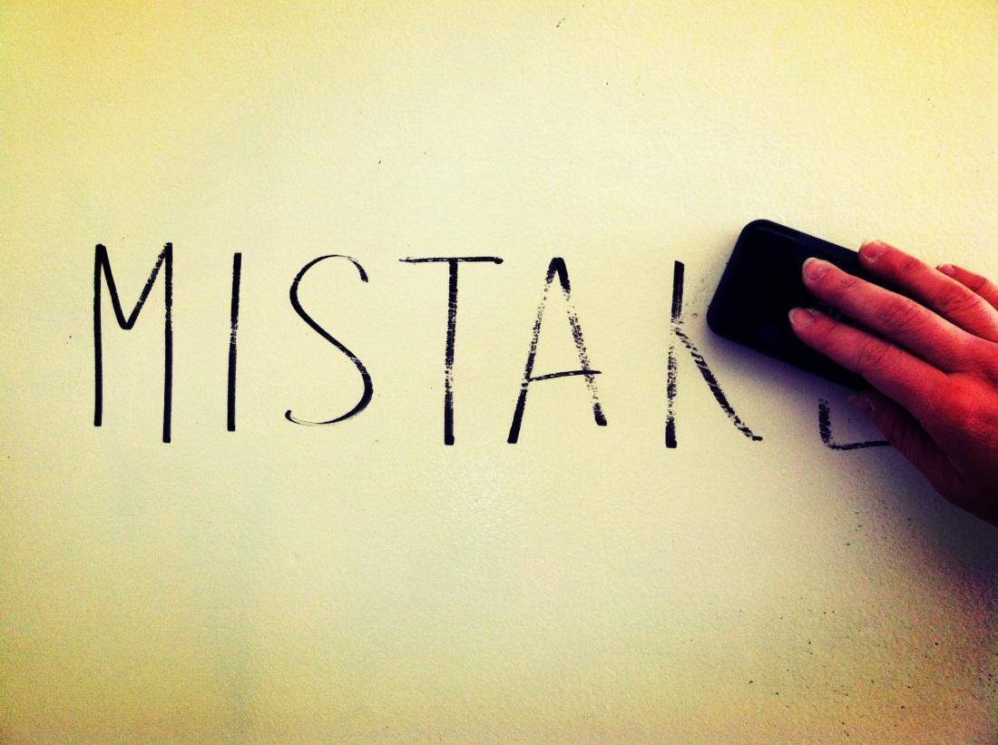 6360483950093294511800686880_mistake-1